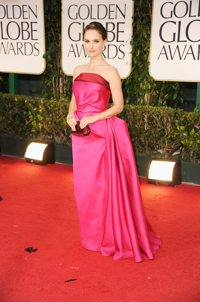 http://fashiontrendseeker.com/wp-content/uploads/2012/01/69th-Annual-Golden-Globe-Awards-2012-Worst-Dressed-Red-Carpet-Fashion.jpg