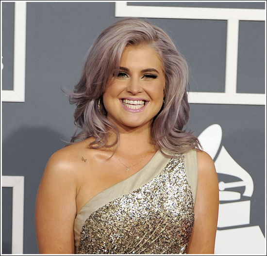 http://fashiontrendseeker.com/wp-content/uploads/2012/02/2012-Grammy-Awards-Hairstyles-and-Makeup-Looks-11.jpg