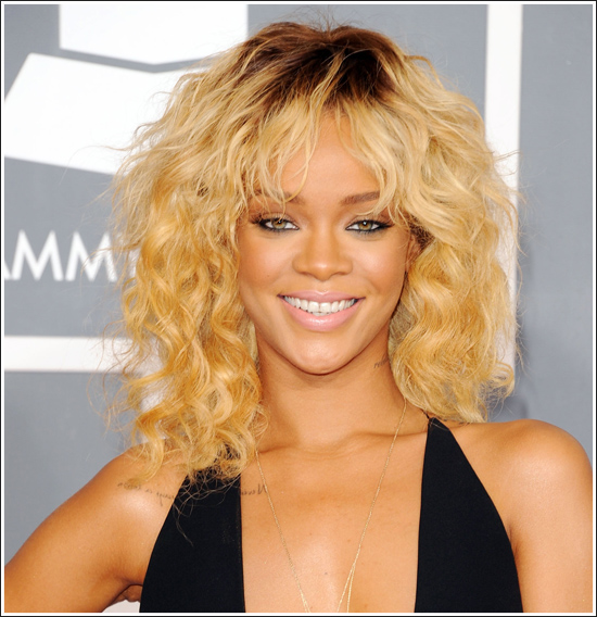 http://fashiontrendseeker.com/wp-content/uploads/2012/02/2012-Grammy-Awards-Hairstyles-and-Makeup-Looks-2.jpg