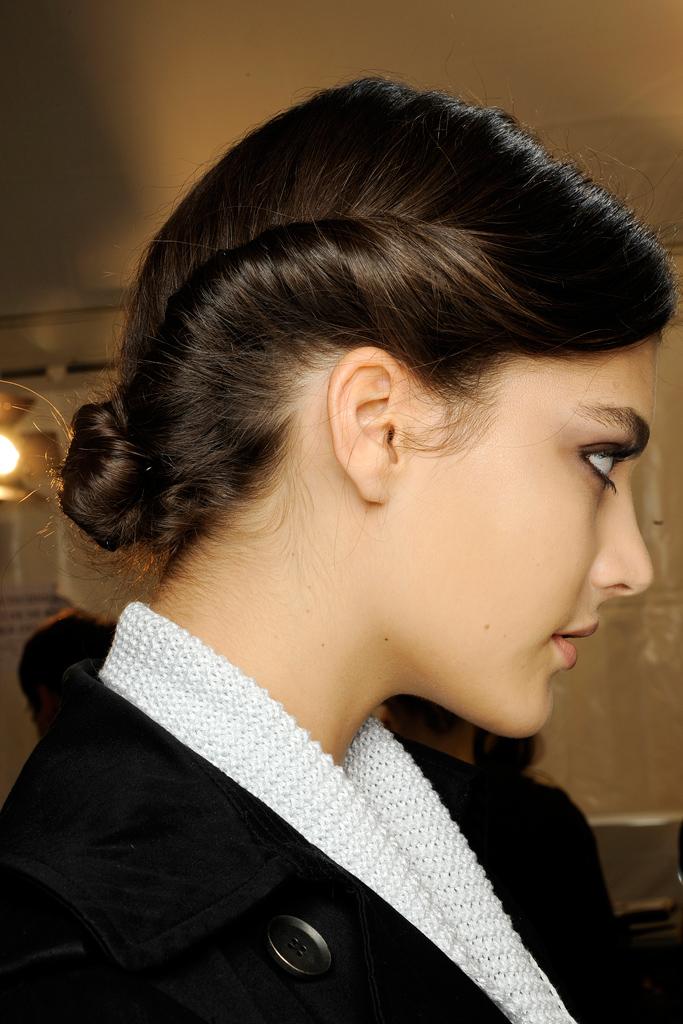 30 Latest Short Hairstyles for Winter 2020 - Best Winter ... |Girls Winter Hairstyles