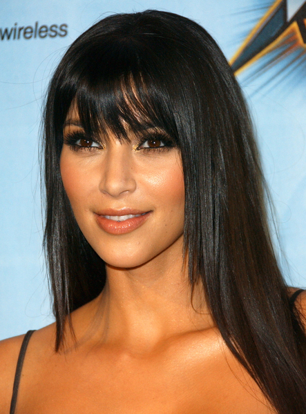 Celebrities Hairstyles With Blunt Bangs - Fashion Trend Seeker