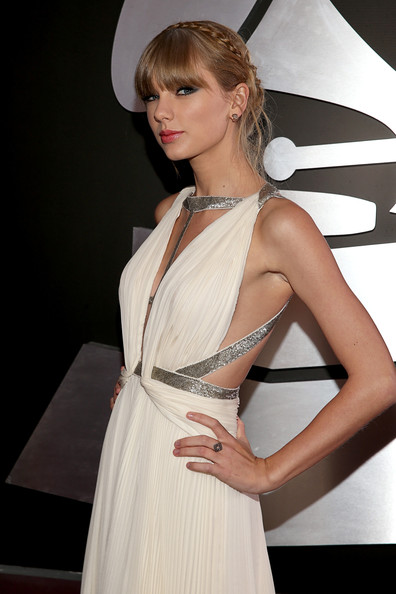 2013 Grammy Awards Red Carpet Hairstyles and Makeup Looks 6