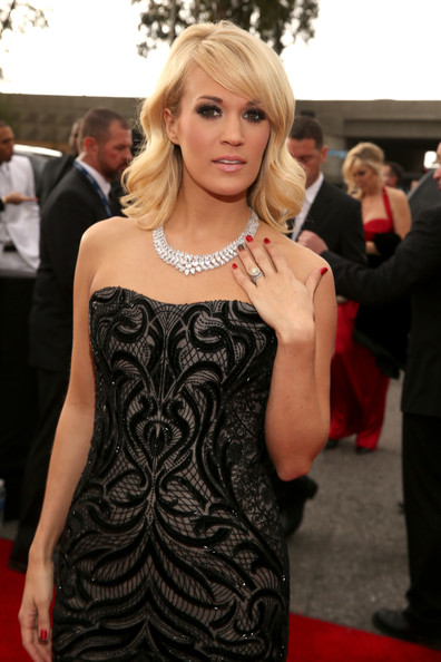 2013 Grammy Awards Red Carpet Hairstyles and Makeup Looks 9