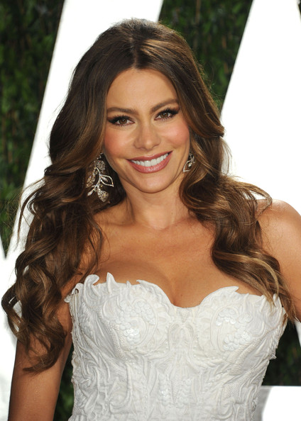 2013 Prom Hair Trends - Wavy Hairstyles 10