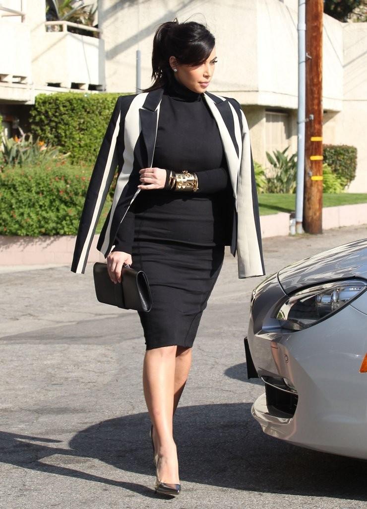 Kim Kardashian's Striped Blazer 3