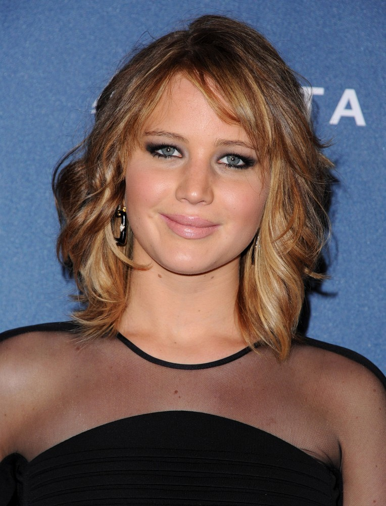 Jennifer Lawrence Shows Off New Reverse Sombre Haircolor and Edgy New Haircut