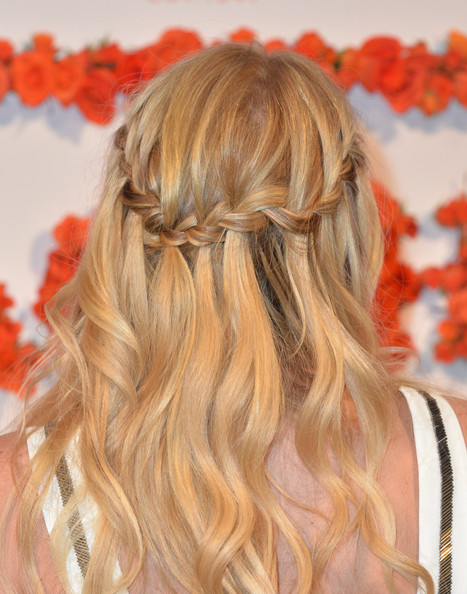 New Braided Hairstyles You Can Wear For Summer 8