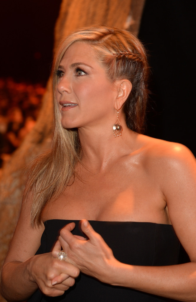 We're Loving Jennifer Aniston's Side Swept Braid