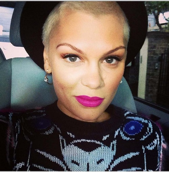 Jessie J Looks Hot With Her New Blonde Buzzcut 3