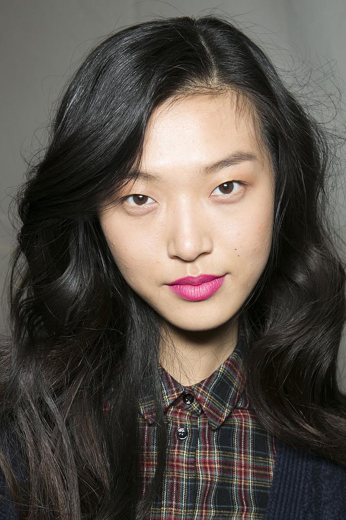 http://fashiontrendseeker.com/wp-content/uploads/2013/08/Fall-2013-Makeup-Trends-2.jpg