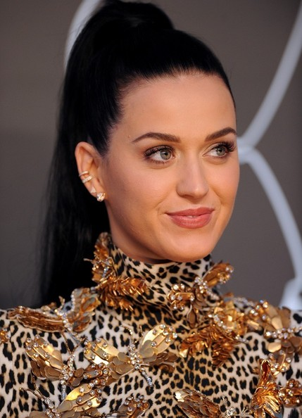 Hottest Red Carpet Hair Trends From The 2013 MTV VMA Video Music Awards 6