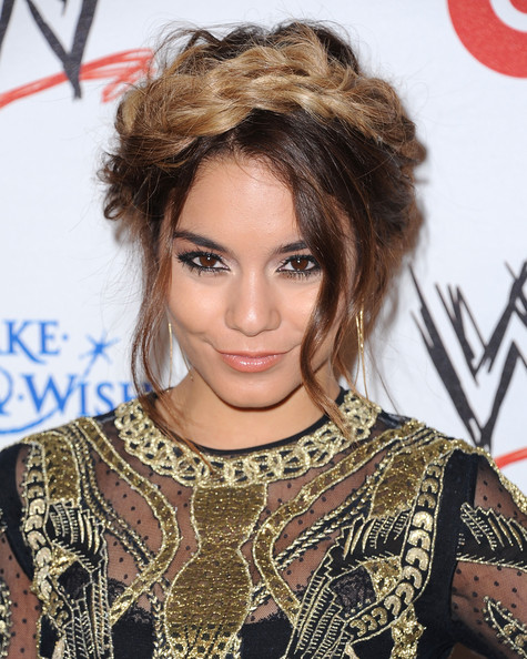 Vanessa Hudgens Does Ombre Trend Check Out Her New Blonde Tips 4
