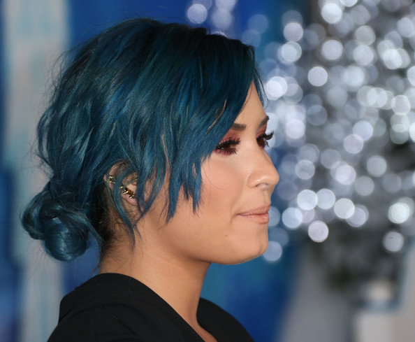 Demi Lovato Moves On To New Blue Hair Color 2