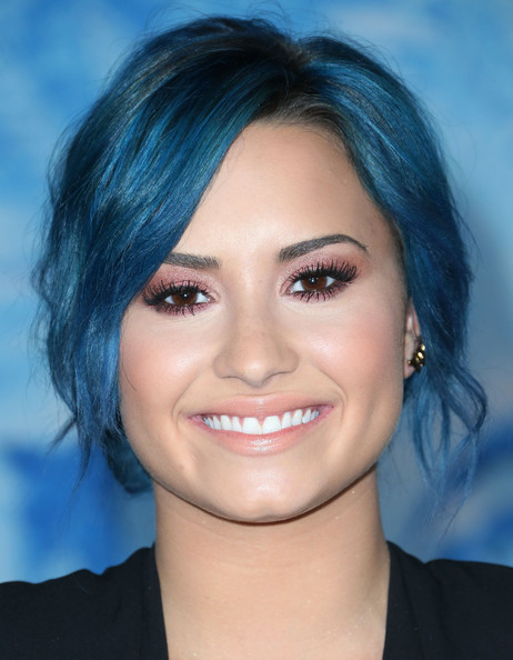 Demi Lovato Moves On To New Blue Hair Color