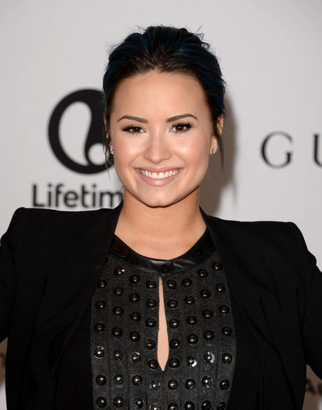 Demi Lovato Goes Back To Black Hair, Well Sort Of