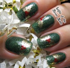 Holiday Nail Art Design & Ideas 3