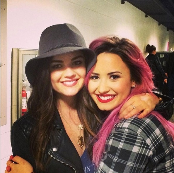 Demi Lovato Goes Back To Bold Pink Hair Color