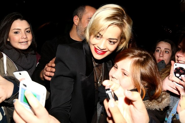 Rita Ora Shows Off New Bob Haircut 2