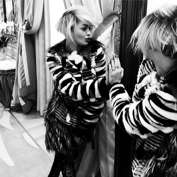 Rita Ora Shows Off New Bob Haircut 5