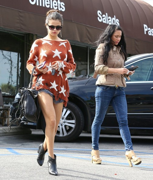 Selena Gomez Rocks Asos Wildfox Seeing Stars Sweater 3