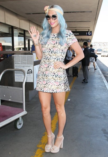 Kesha Now Has Blue Hair! Check Out Her New Blue Hair Color 2