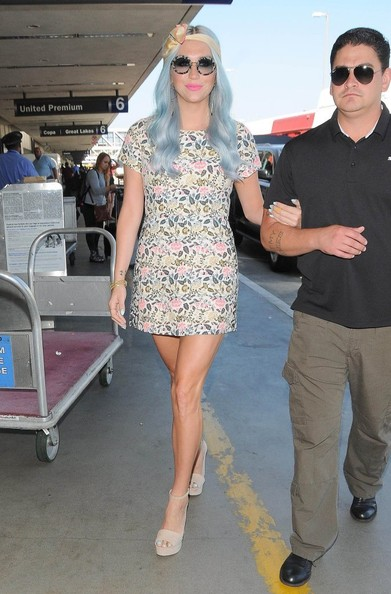 Kesha Now Has Blue Hair! Check Out Her New Blue Hair Color 4