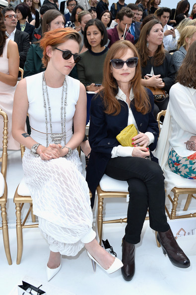 Kristen Stewart Shows Off New Cropped Haircut At Chanel Show 3