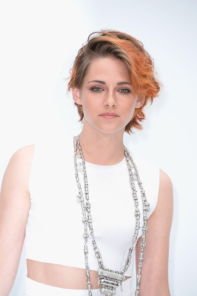 Kristen Stewart Shows Off New Cropped Haircut At Chanel Show 4