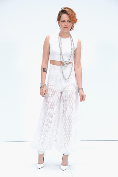 Kristen Stewart Shows Off New Cropped Haircut At Chanel Show 5