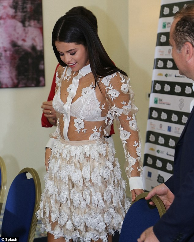 Selena Gomez's Summer Look Spotted At The Ischia Global Film & Music Festival 3