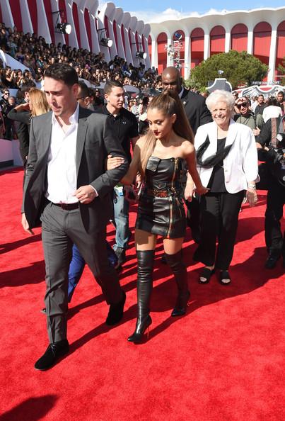 2014 MTV Video Music Awards - Ariana Grande 3