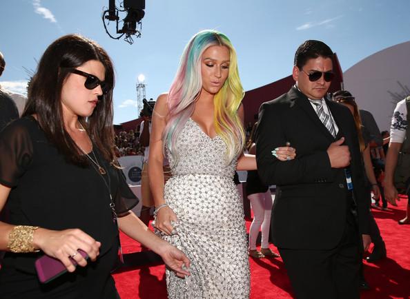 2014 MTV Video Music Awards Fashion - Kesha 3