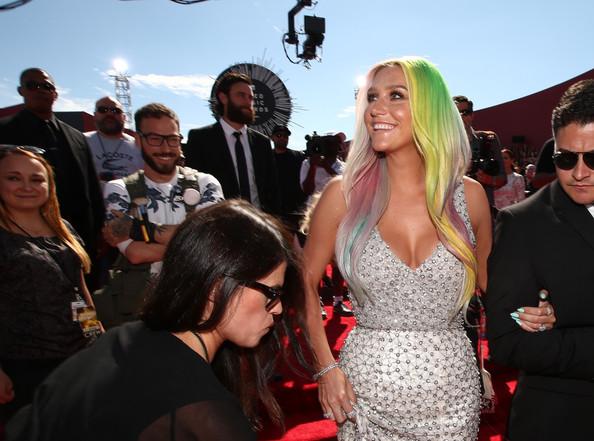 2014 MTV Video Music Awards Fashion - Kesha 4