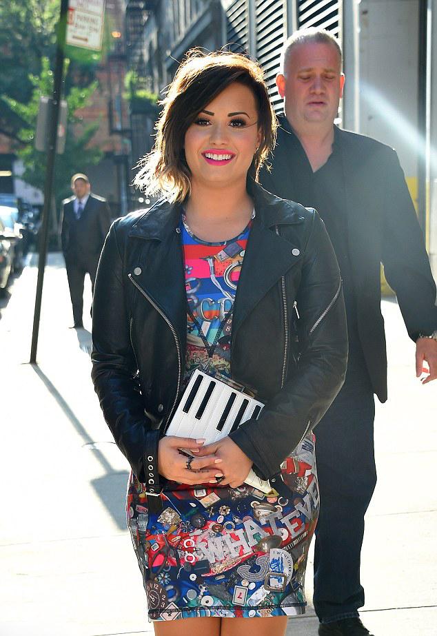 Demi Lovato Latest Hair Transformation  Short & Ombre 7