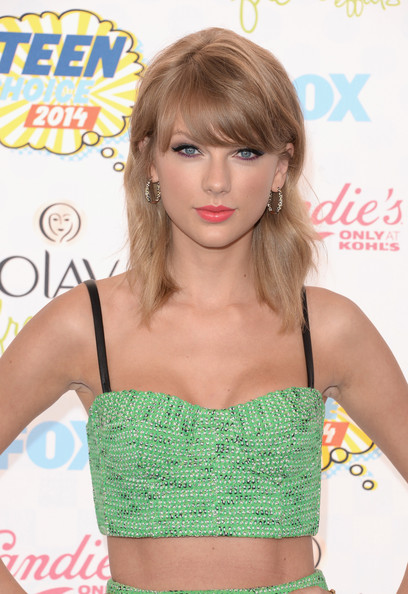 Hottest Hairstyles & Makeup Looks From The 2014 Teen Choice Awards 11