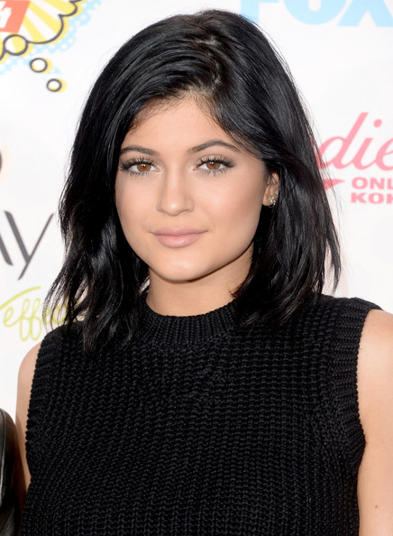 Hottest Hairstyles & Makeup Looks From The 2014 Teen Choice Awards 14