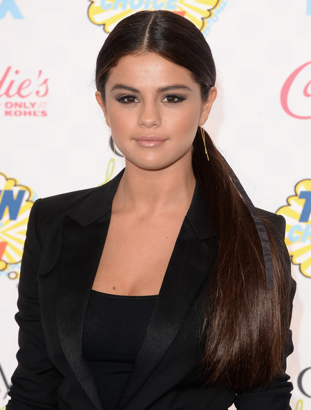 Hottest Hairstyles & Makeup Looks From The 2014 Teen Choice Awards 20