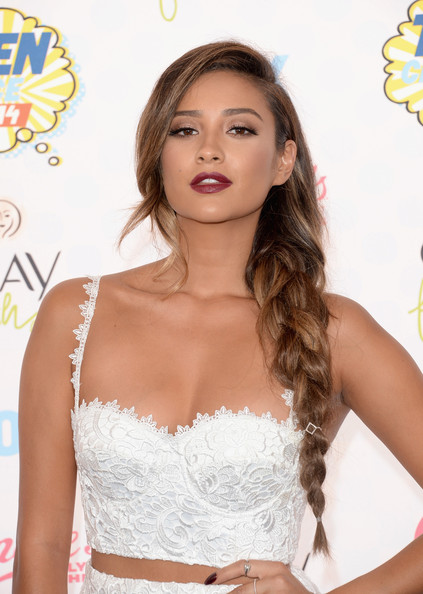 Hottest Hairstyles & Makeup Looks From The 2014 Teen Choice Awards 23