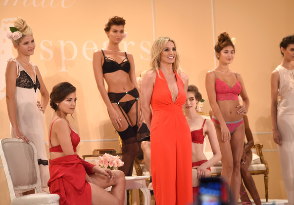 Britney Spears Shows Off Her Signature Sleepwear Line The Intimate Britney Spears 2