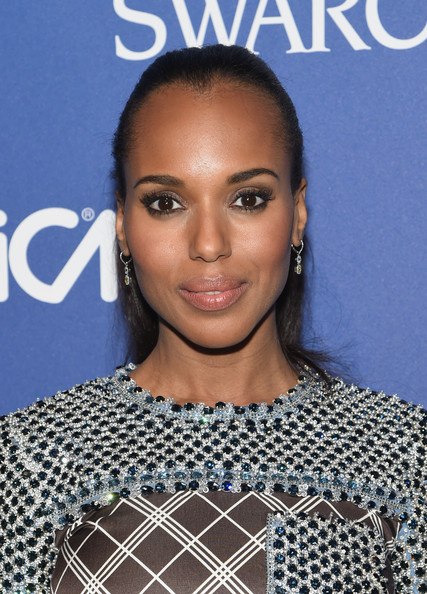 Kerry Washington Rocks Flirty Ponytail and Prada to the 2014 Accessories Council ACE Awards 3