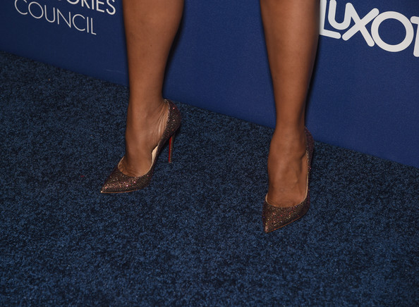 Kerry Washington Rocks Flirty Ponytail and Prada to the 2014 Accessories Council ACE Awards 4