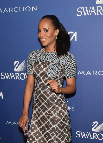 Kerry Washington Rocks Flirty Ponytail and Prada to the 2014 Accessories Council ACE Awards 5