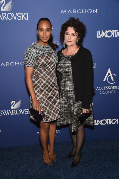 Kerry Washington Rocks Flirty Ponytail and Prada to the 2014 Accessories Council ACE Awards 6