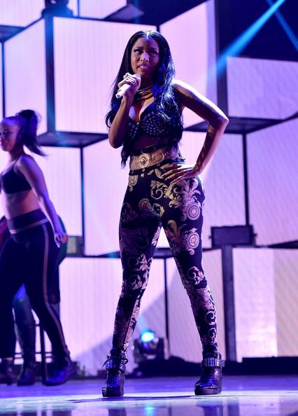 Nicki Minaj's Hottest Fashion Looks From The 2014 MTV EMAs