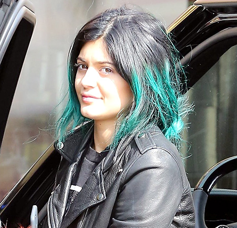 No Makeup - Kylie Jenner Shows Off Her Real Lip Size