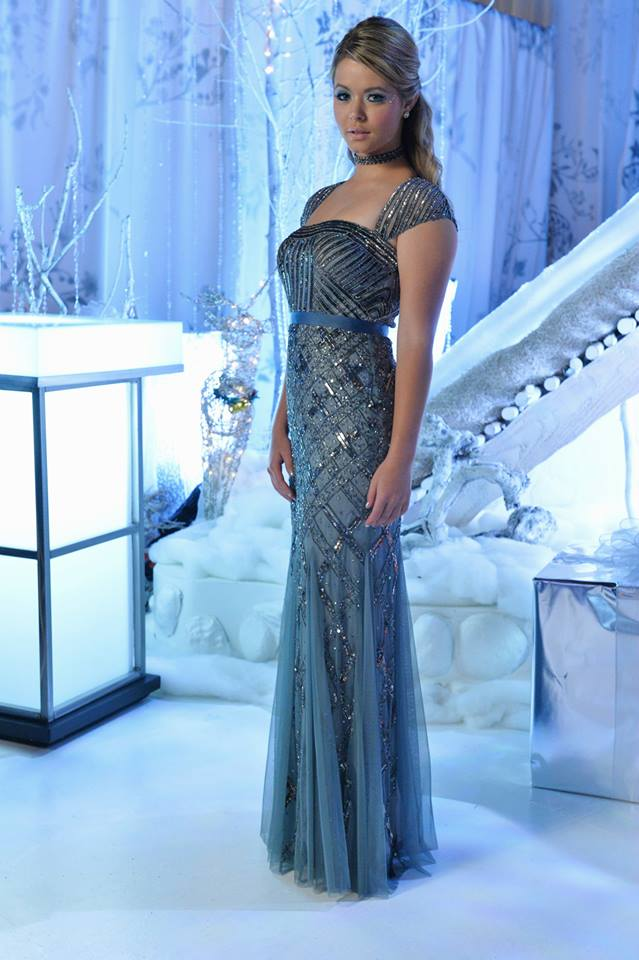 Photos From The Pretty Little Liars' Christmas Special - Sneak Peek