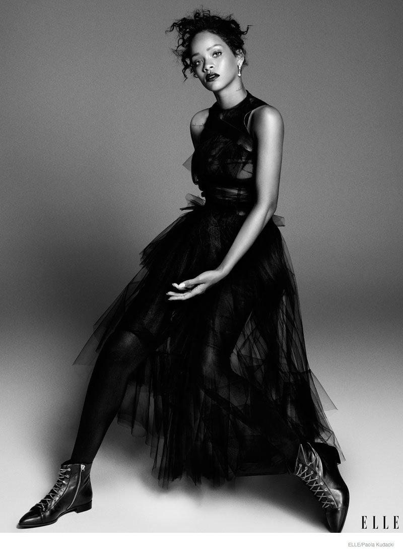 Rihanna Shows Off Her Modeling Side In Elle December 2014 ...