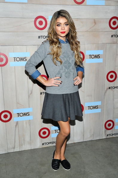 Sarah Hyland Debuts New Blonde Hair Color 4
