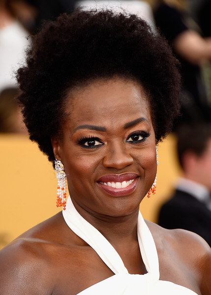 On The Red Carpet – Best Hairstyles & Makeup at the 2015 SAG Awards 11