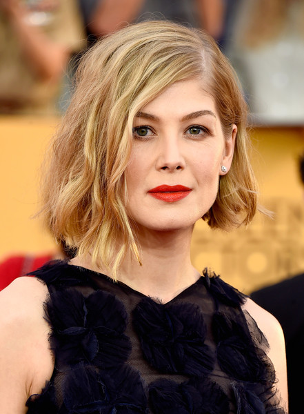On The Red Carpet – Best Hairstyles & Makeup at the 2015 SAG Awards 15